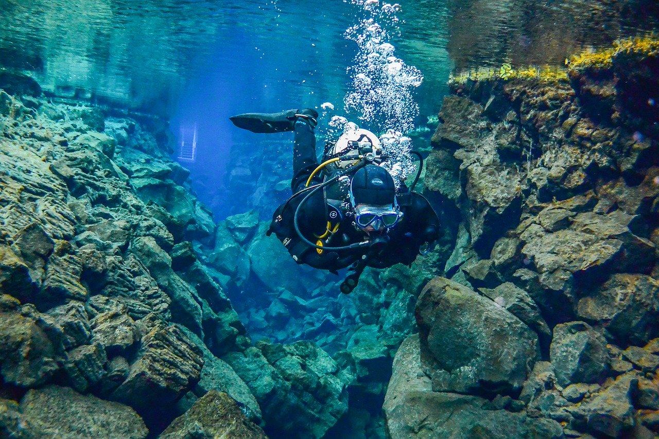 El inicio de la ruta de buceo entre dos placas tectónicas en Silfra © Gerald Lobenwein - Islandia - Viajar - Blog de Alba Vilanova