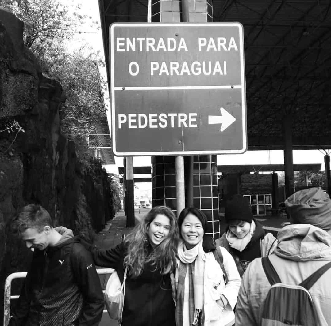 En la entrada a Paraguay @ Foto cedida por Patricia Larroca - Trabajar en el extranjero - Blog de Alba Vilanova