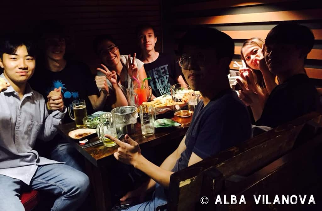 De cena con nuestros buddies en Incheon - Corea del Sur - Estudiar en el extranjero - Blog de Alba Vilanova